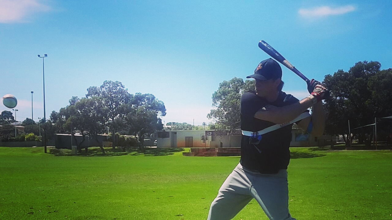 Our bat speed trainerexpands, and contracts to your swing, improving swing speed, building fast twitch muscle fibers; critical to increase bat speed.